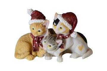 3 katter med røde luer