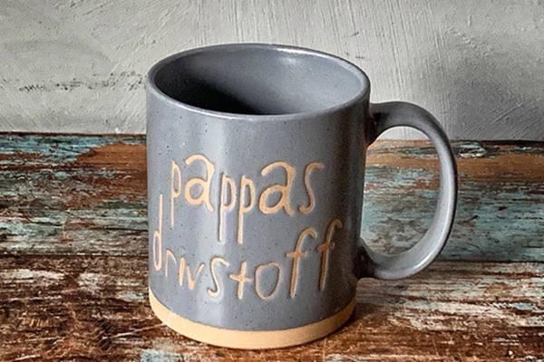 """Krus """"Pappas drivstoff"""", grå"""