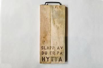 """Fjøl med metallhåndtak """"Slapp av"""""""
